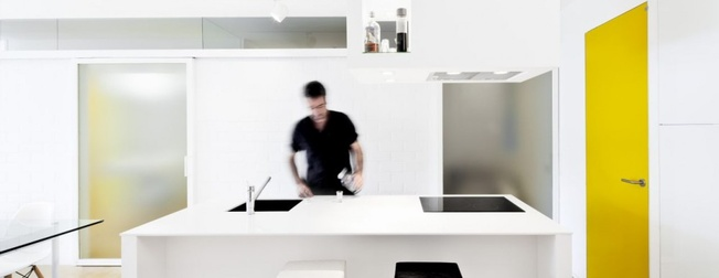 Sergi Pons: Glazed Apartment