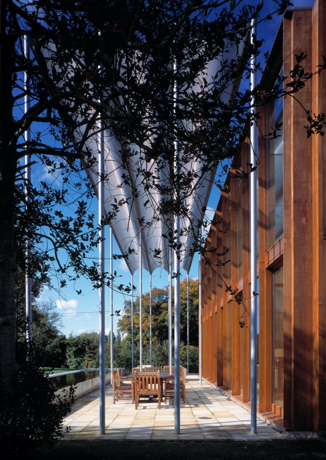 Dom w Pipers End autorstwa Niall McLaughling Architects