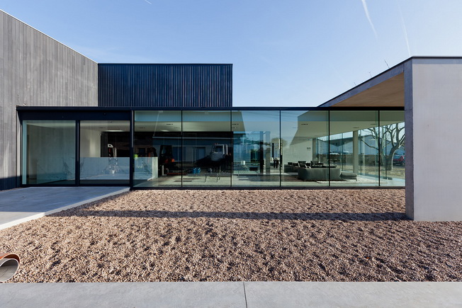 Obumex Outside autorstwa Govaert & Vanhoutte Architects